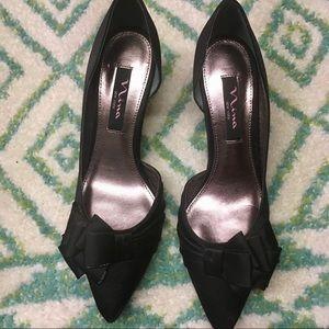 NWOT Black kitten formal heels